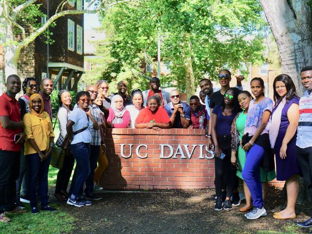 Mandela Fellows at UC Davis sign