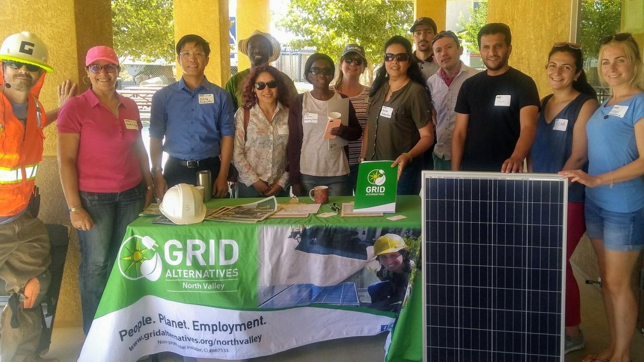 Humphrey Fellows volunteering with GRID